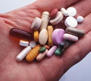 80歳以上の高血圧患者、降圧薬を1剤減らしても非劣性/JAMA~ケアネットニュース