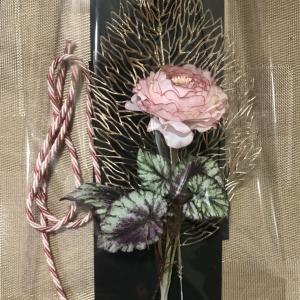 一輪でも映えるお花の壁飾り