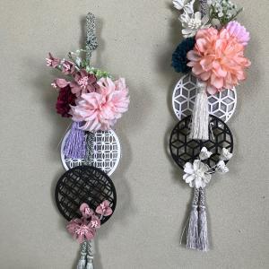 お花と木のプレートの壁飾り