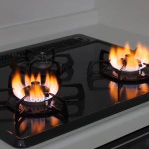 ガスコンロの火が赤い症状と5つの確認!赤い炎が続くなら要注意!