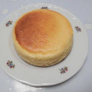 ティータイムはチーズケーキで