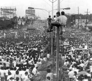 1986年フィリピン・ピープルパワー革命