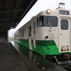 キハ40-2単行  光風台駅で雷雨の中を転線
