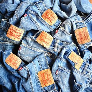 【Levi's® リーバイス®ジーンズ】ジェンダーレスに使えるデニムパンツ入荷@古着屋カチカチ