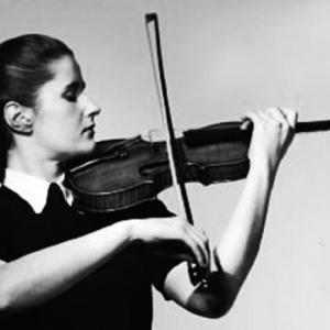 ヨハンナ・マルツィ(Johanna Martzy)の演奏するJ.S.バッハ:無伴奏ヴァイオリン・ソナタとパルティータ BWV1001-1006(全6曲)を聴く。
