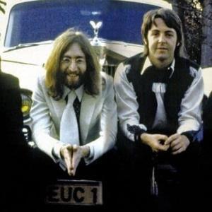 革命のシンボルになった名曲:「ヘイ・ジュード」は1968年8月にリリースされたビートルズにとって18枚目のシングル曲です。