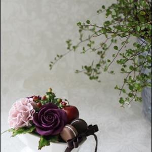 残席1名様・10/3(木)札幌三越マイカフェ・秋色バラとマカロンのアレンジメントワークショップ