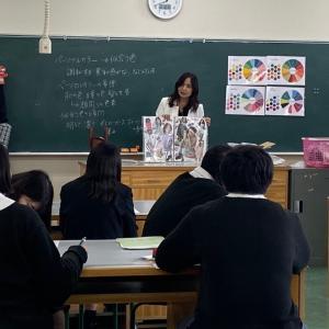 東北生活文化大学高等学校様の授業で高校生にパーソナルカラー講座