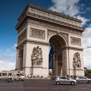 Le Quatorze Juillet〜フランス革命記念日にちなみマリーアントワネットをイメージ