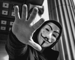 マスクは強制されるまで付けない派です