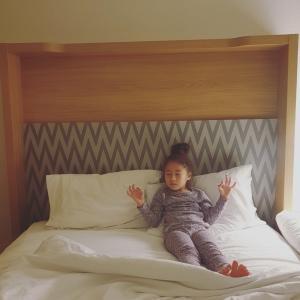 瞑想する5歳児
