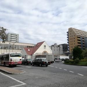 JR国立駅・赤い三角屋根の駅舎