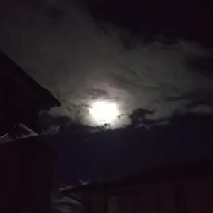 8年ぶり満月の中秋の名月と秋の童謡♪