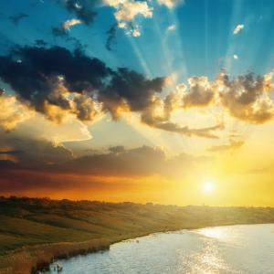 新年の心意気を和歌や川柳などに託す「太陽会万葉集」。