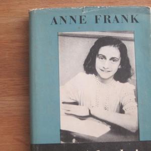 【アンネ・フランクのビデオ日記】もし、「アンネの日記」ビデオ日記だったら