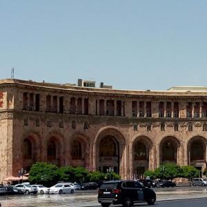 2800年の都市エレバン、観光で何を観る?博物館、展望台、慰霊碑、一日じゃ回りきれない!
