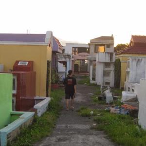 1週間のご遺体安置、ギャンブル、マンションタイプのお墓?!フィリピンでの葬儀とお墓参りで見る日本との違い