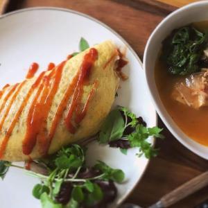 麹チキンとネギの玄米オムライス