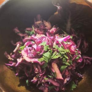 紫キャベツとツナの甘酢胡麻和え