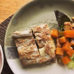 焼き茄子のオムレツとハヤトウリのチキンスープの献立