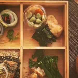 鯖味噌の海苔弁当の献立