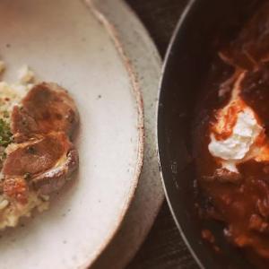 ハヤシライス風ポークストロガノフと玄米粥の献立