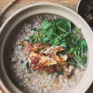 *パプリカマリネの燻製鯖とクレソンの五穀粥
