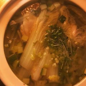 白菜たっぷりの鶏鍋