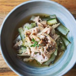 茹で鶏と胡瓜の七味醤油和え