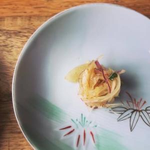 小さな箸休め: 新玉ねぎの和風マリネ