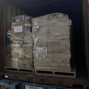 雑貨の出荷と原木の運搬と