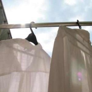 【ソレダメ】シャツの襟の黄ばみ汚れを超簡単に落とす方法!タワシで襟部分をゴシゴシこする手間不要。あるものを使うだけでさっぱり落とせます♪やり方・方法まとめ。