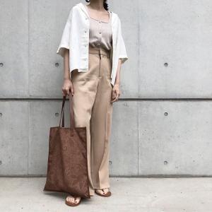 ユニクロの「リネンブレンドオープンカラーシャツ(半袖)」の使用感レビュー!リネン特有の涼し気な風合いがありながらも着た時のチクチク感はなし。この夏おすすめのリネンシャツ♪