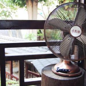【ソレダメ】部屋の爽やかさを劇的にアップさせる扇風機の格上げワザ!涼しさとともに部屋の空気をリフレッシュさせる裏技♪目からウロコの扇風機の使い方。