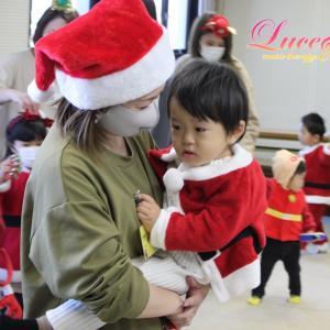 5教室目クリスマス会・フルート&ピアノミニコンサート!姫路網干市民センター教室⑤ピアノの下が人気