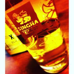 SINGHA グラス付きビールを買っちゃいました!(^^)!