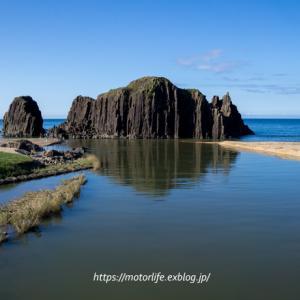 巨大な玄武岩の一枚岩「立岩」☆