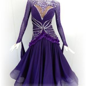 エレガントなパープルのスタンダードドレス