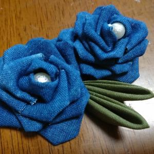 洋風つまみ細工ー藍染の薔薇