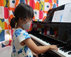 電子ピアノ アップライトピアノ 弾き比べ