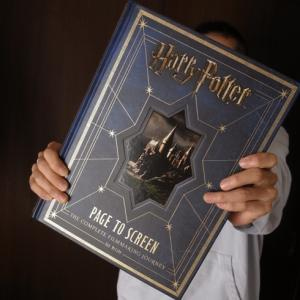 「Harry Potter: Page to Screen」がイギリスから届きました