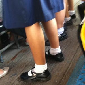 バスで見かけたタイの女子校生