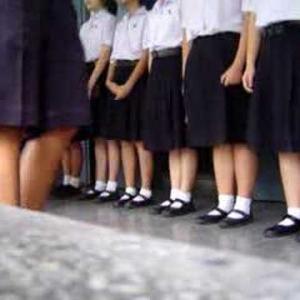 地味な感じであまり人気のないタイの中高生の制服