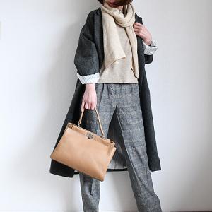 TSUNODAのコートとDessiのバッグ