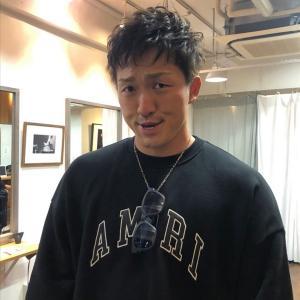 カープ鈴木誠也、パーマをかける!プレミア12優勝へ向け「一体となって戦いましょう」