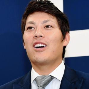 カープ九里亜蓮、1000万増の年俸7200万で契約更改!「ローテを1年間守れなかった悔しさが一番強い」