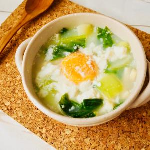 豆腐と青梗菜の半熟たまごスープ