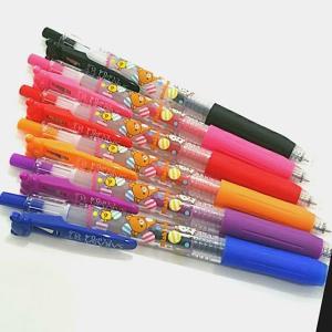 SARASAクリップ リラックマクリップの6色が揃いました。リラックマストアにて。ピンクとオレンジのインク色が好き。#リラックマ #SARASAクリップ #SARASA #ジェルボールペン #カラーペン #ZEBRA #6色 #0.4芯