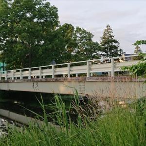 江別「泉の沼公園」内に架かるガーダー橋が立派過ぎる件[江別市東光町]