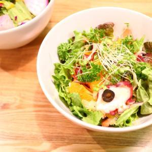 【今月のサラダ&ロースムージーメニュー】女性のためのカレー専門店DISH&SPOON
